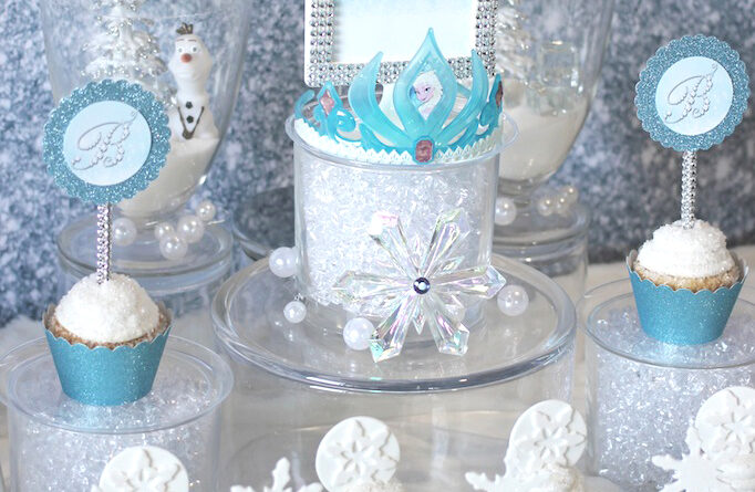 Frozen-Party-Sweets-Table-Crown